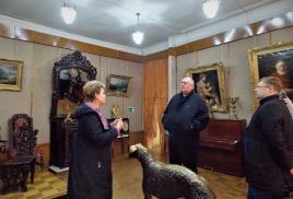 Сенатор Сергей Петрович Аренин в гостях у Петровского краеведческого музея.